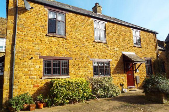 Thumbnail Cottage to rent in Bradford Court, Bloxham, Banbury