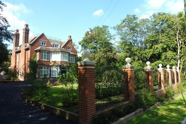 Thumbnail Property to rent in Oathall Road, Haywards Heath