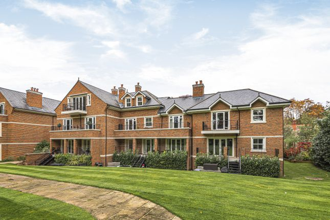 Thumbnail Flat for sale in The Villiers, Gower Road, Weybridge
