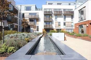 2 bed flat to rent in Somerhill Avenue, Hove BN3