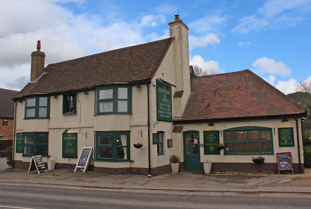 Thumbnail Pub/bar for sale in London Road, Crays Hill, Billericay