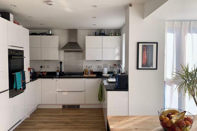 Thumbnail Semi-detached house to rent in Burgundy Drive, Hemel Hempstead