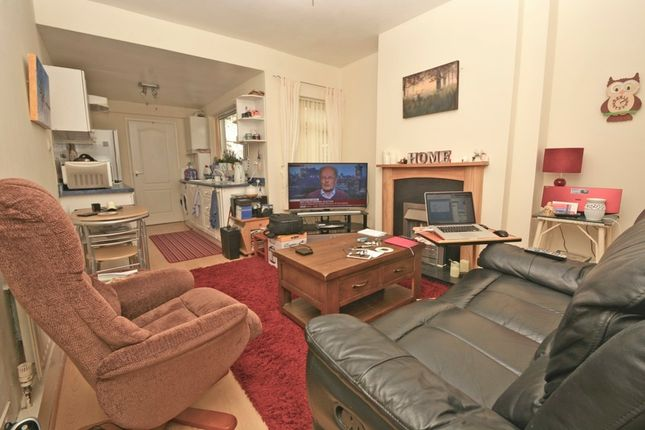 Thumbnail Flat to rent in Charles Street, Hinckley