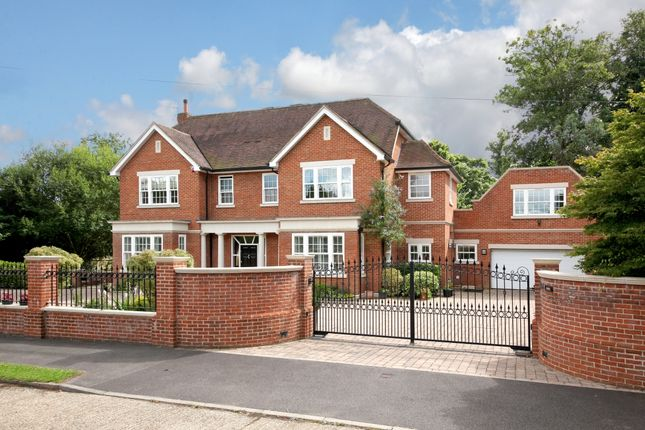 Thumbnail Detached house to rent in Silwood Close, Ascot