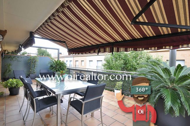 Thumbnail Apartment for sale in Riera Canyet, Badalona, Spain