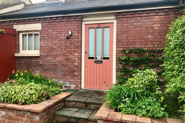 Thumbnail Bungalow to rent in Gibson Road, Cotham, Bristol