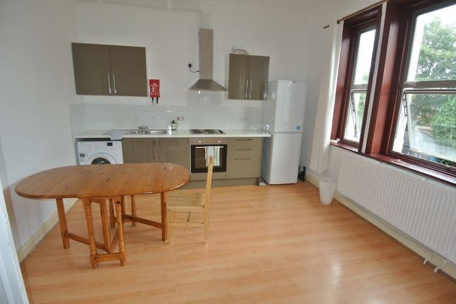 Thumbnail Flat to rent in Ladywell Road, Lewisham