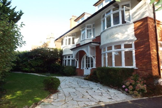 2 Bed Flat To Rent In Queens Park West Drive Bournemouth