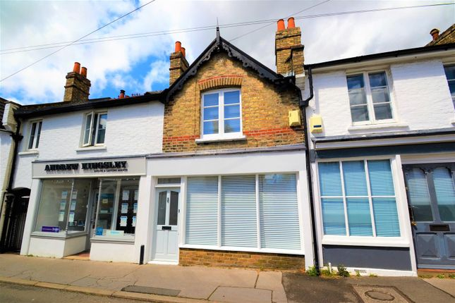 2 bed property to rent in Chancery Lane, Beckenham BR3