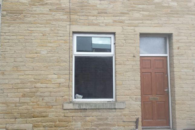 Thumbnail Terraced house to rent in Sand Street, Keighley