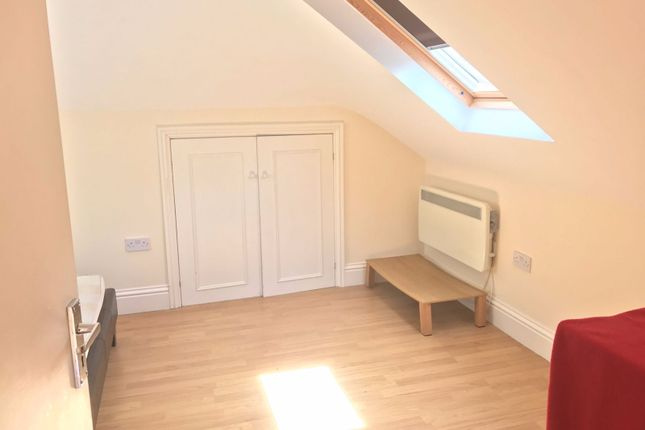 1 bed flat to rent in York Road, Ilford
