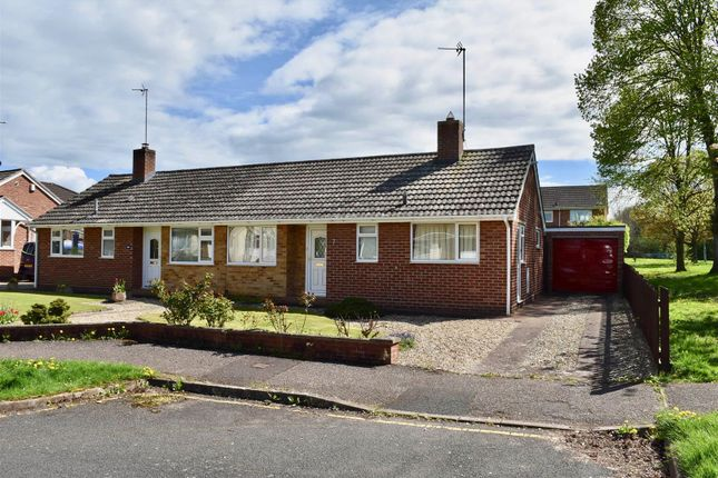 Thumbnail Bungalow for sale in Outer Gullands, Taunton