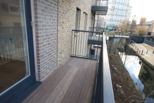 Thumbnail Flat for sale in Carriers Apartment, 21 Stoneway Walk, Bow