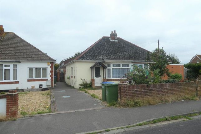 Thumbnail Bungalow to rent in Neville Avenue, Fareham