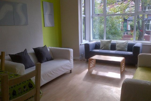 Thumbnail Property to rent in Ash Grove, Hyde Park, Leeds