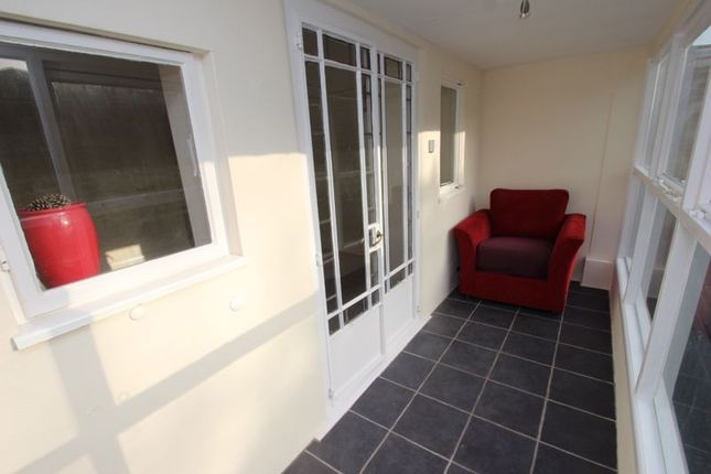 Sun Room of Bromsgrove Road, Batchley, Redditch B97