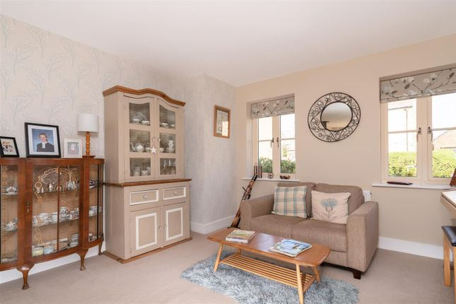 Sitting Room V2 of Stirling Way, Moreton In Marsh, Gloucestershire GL56