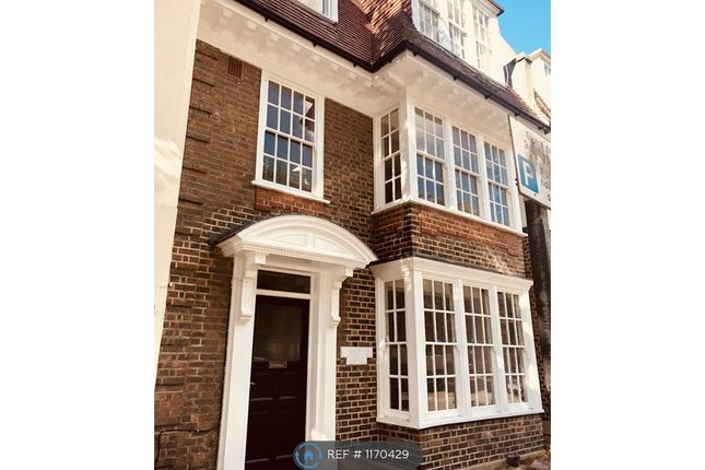 Thumbnail Flat to rent in Rochester Court, Hove