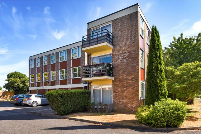 Thumbnail Flat to rent in Park Close, Cutteslowe, Oxford