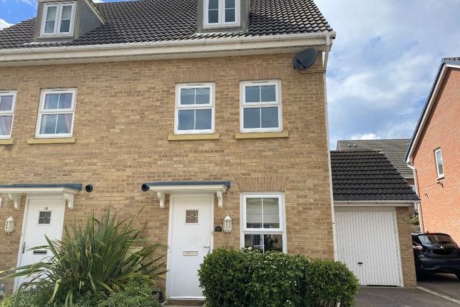 4 bed property to rent in Coles Way, Grantham NG31