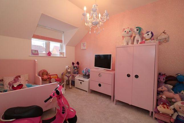 Bedroom 4 of Sanquhar Road, Glasgow G53