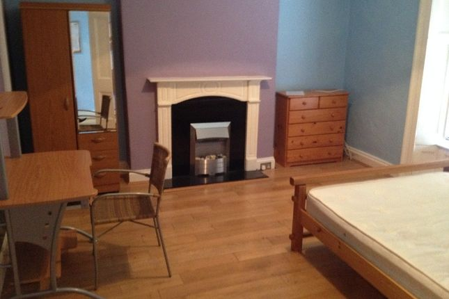 Thumbnail Property to rent in Penrose Street, City Centre, Plymouth
