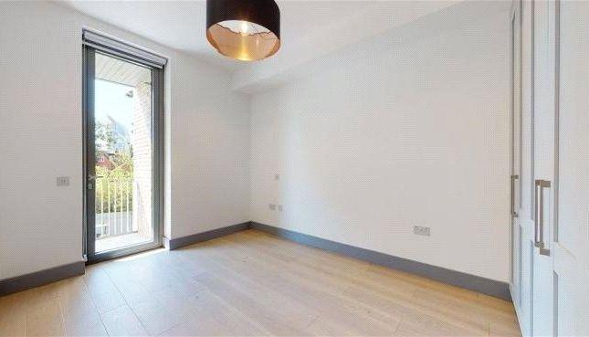 Thumbnail Property to rent in Carlton Road, London