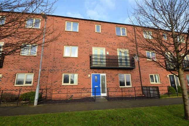 Thumbnail Town house to rent in Watt Avenue, Allerton Bywater, Castleford
