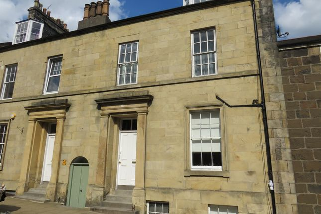 Thumbnail Flat for sale in Queen Street, Stirling