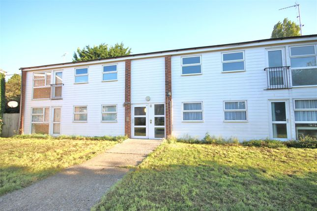 2 bed flat to rent in Pondtail Court, Kirby Cross, Frinton-On-Sea CO13