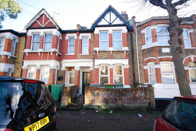 Thumbnail Flat to rent in Colchester Avenue, London