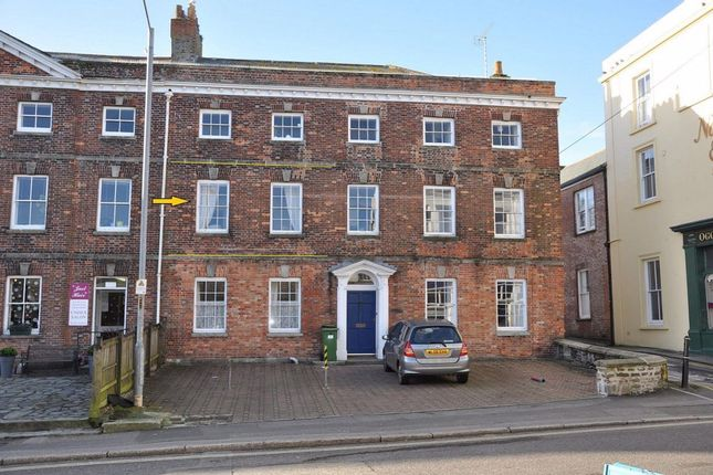 Flat to rent in Bank Place, Falmouth