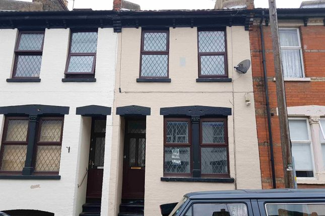 Shared accommodation to rent in St Peter Street, Rochester, Kent