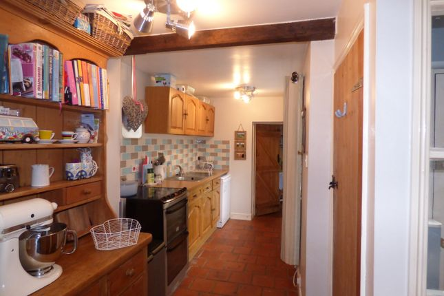 Thumbnail Cottage for sale in Ipswich Road, Long Stratton, Norwich