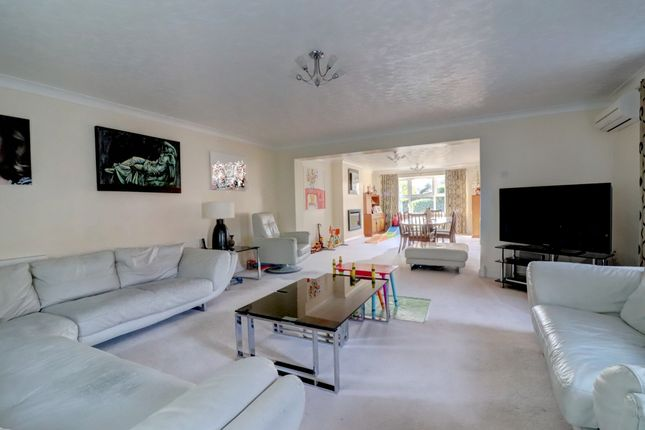 4 Bed Detached House For Sale In Carlton Drive North