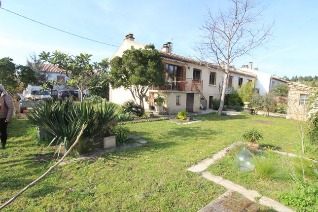 Villa for sale in Limoux, Languedoc-Roussillon, 11300, France