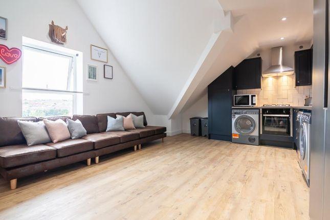 Thumbnail Flat to rent in Flat 7, 42 Bankfield Road, Huddersfield