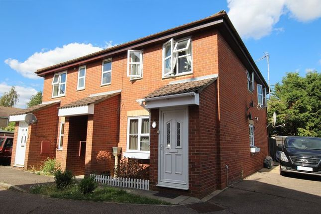 Thumbnail Flat for sale in Barnwell Drive, Hockley
