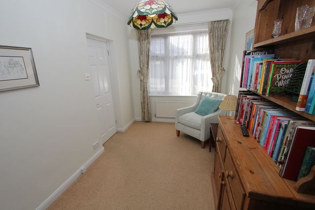 TV Room of Hillside Gardens, Edgware, Greater London. HA8