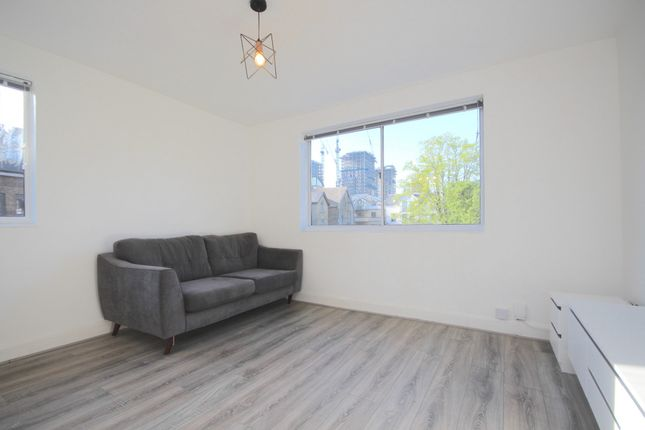 1 bed flat to rent in Mulgrave Road, Croydon, Surrey CR0