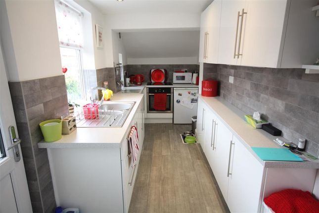 Kitchen of Warmwells Lane, Ripley DE5