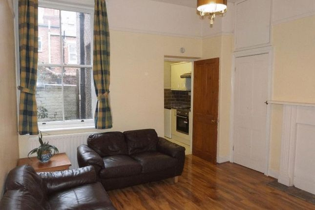 2 bed flat to rent in Cavendish Road, Jesmond, Newcastle Upon Tyne