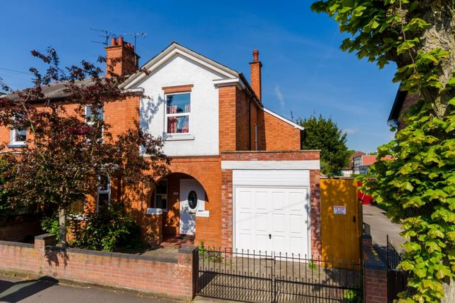 Thumbnail Semi-detached house for sale in Lime Grove, Newark