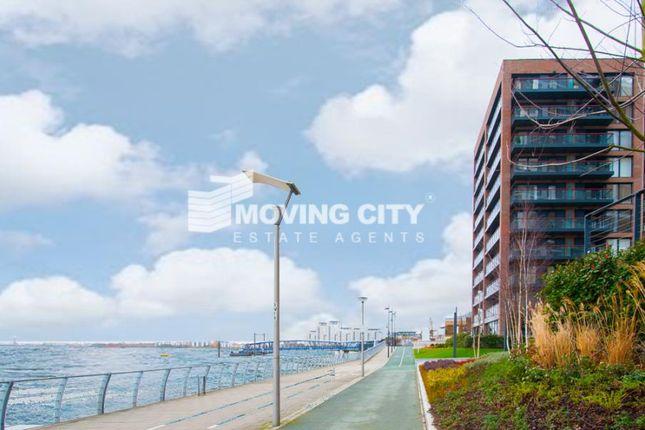 Thumbnail Flat for sale in Waterfront 2, Royal Arsenal Riverside