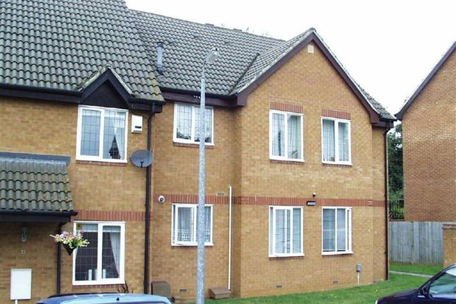 1 bed flat to rent in Willow Way, Toddington, Dunstable