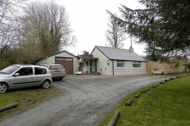 Thumbnail Bungalow for sale in Penrhiwllan, Llandysul