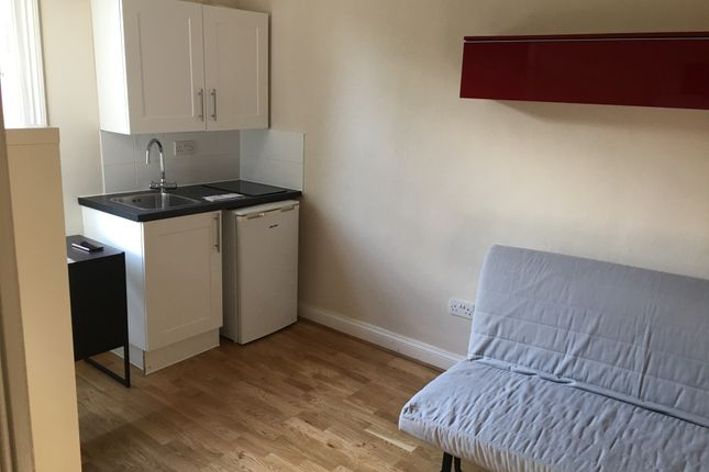 Studio to rent in Finsbury Park Road, London