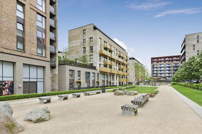 Thumbnail Flat to rent in Copenhagen Court, Pell Street, London