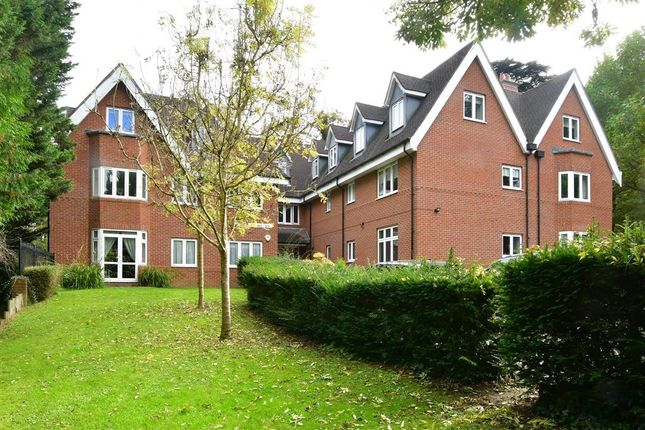 2 bed flat for sale in Hayes Lane, Kenley, Surrey CR8
