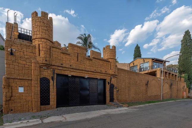 Thumbnail Detached house for sale in 21 Tandjiesberg Avenue, Glenvista, Gauteng, South Africa